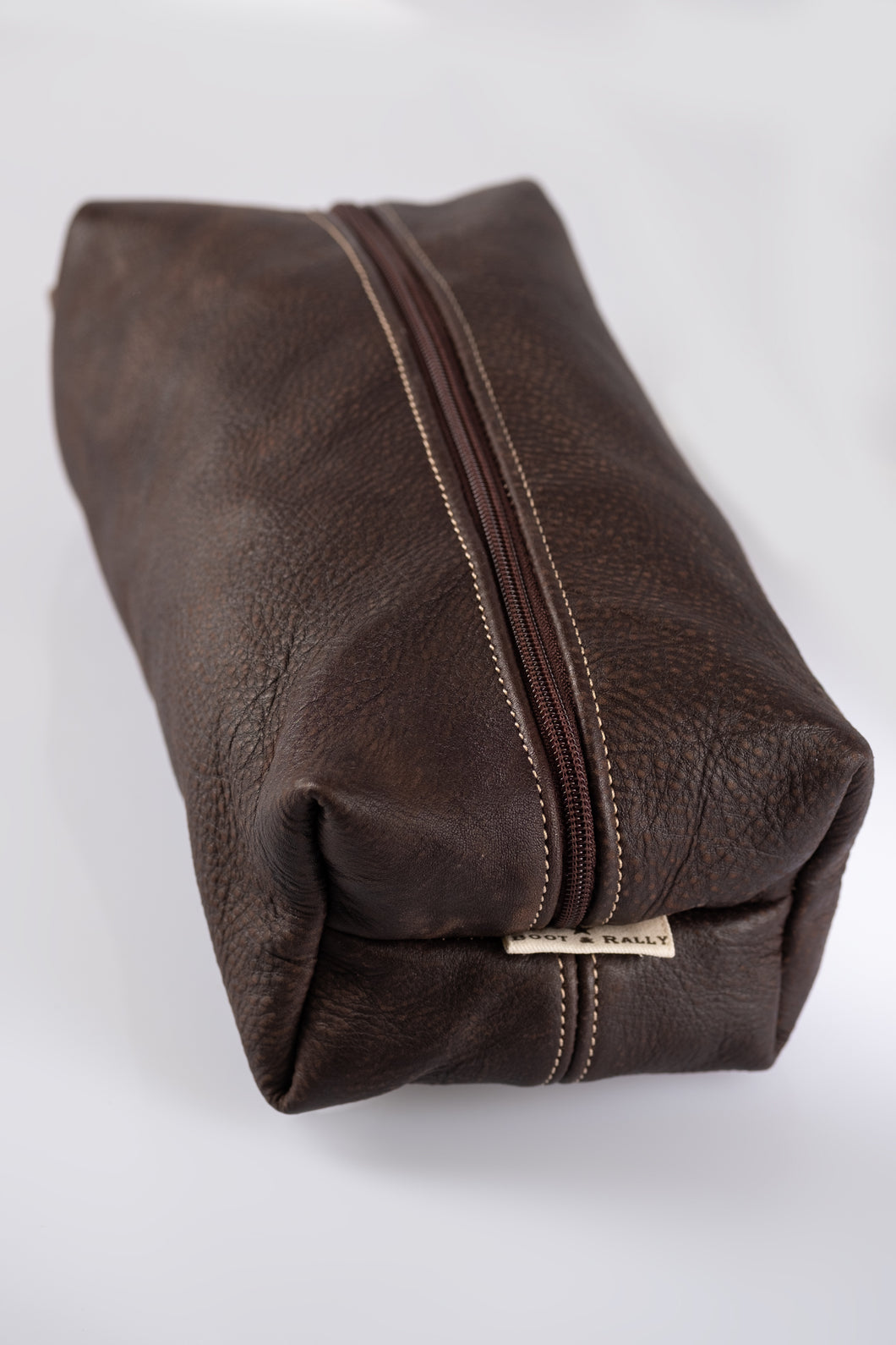 Toiletry bag- Full leather (Buffed Brown)