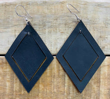 Load image into Gallery viewer, Earings  Double diamond Leather ( Black )