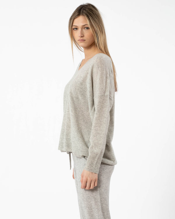 CRUSH - Malibu Oversized V-Neck Sweater | Luxury Designer Fashion | tntfashion.ca