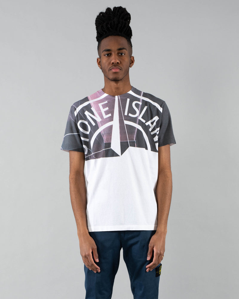 STONE ISLAND - Emblem T-Shirt | Luxury Designer Fashion | tntfashion.ca
