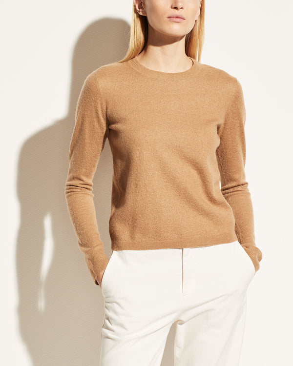 VINCE - Fitted Crewneck Pullover | Luxury Designer Fashion | tntfashion.ca