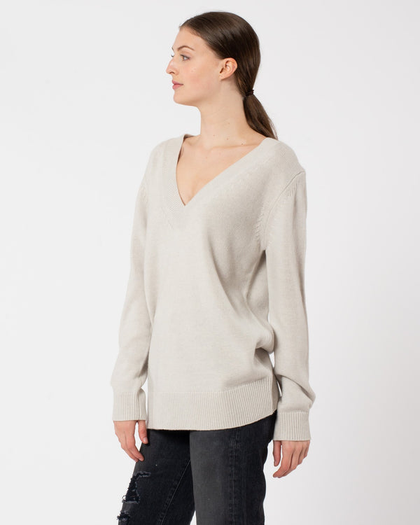 CO - Wool Cashmere Boyfriend V-Neck Knit | Luxury Designer Fashion | tntfashion.ca