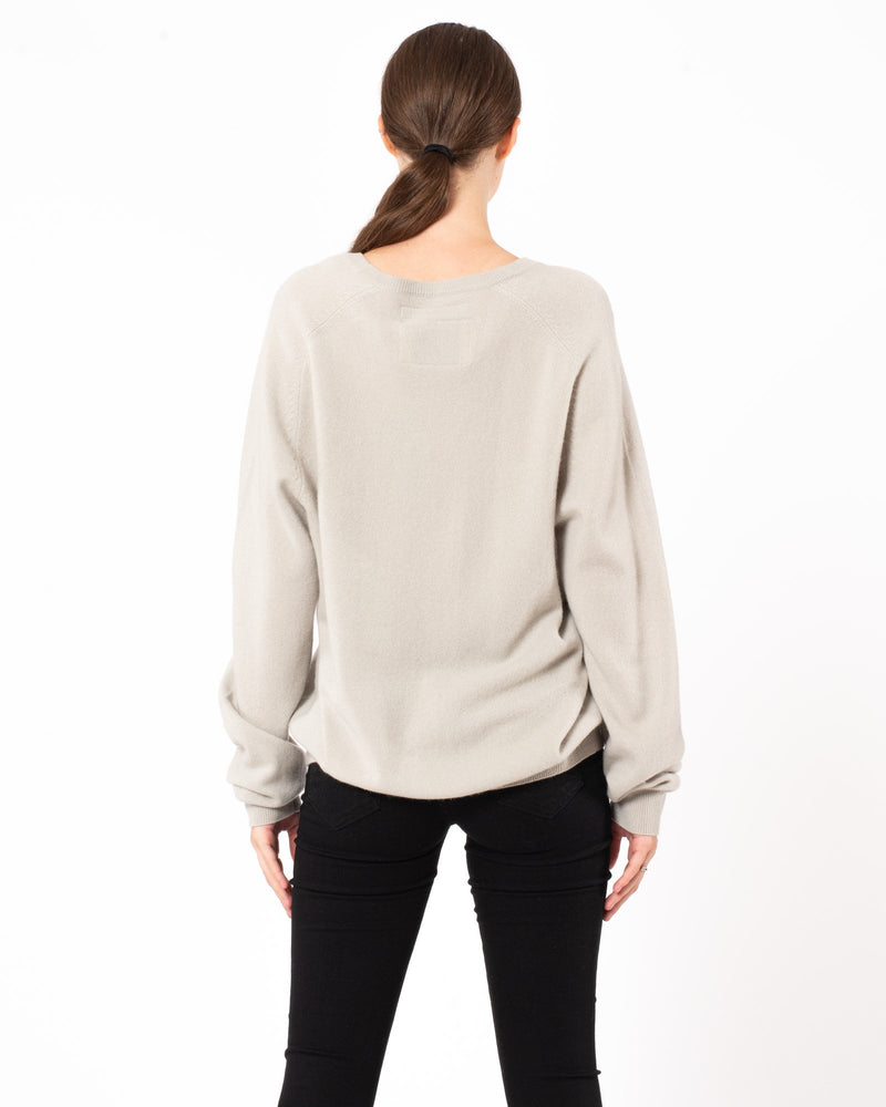 FRENCKENBERGER Boyfriend V-Neck Sweater | newtntfashion.