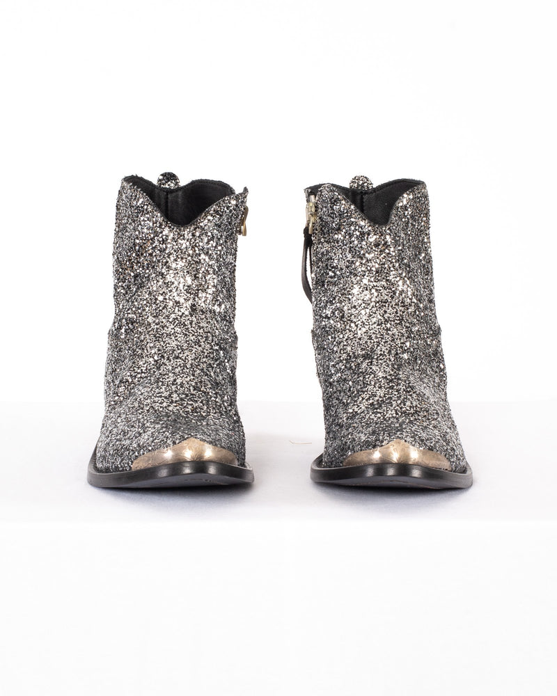 GOLDEN GOOSE Young Boots | newtntfashion.