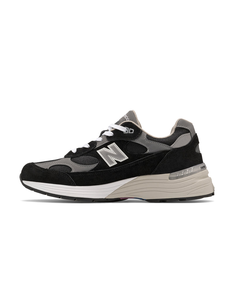 NEW BALANCE - 992 Sneaker | Luxury Designer Fashion | tntfashion.ca