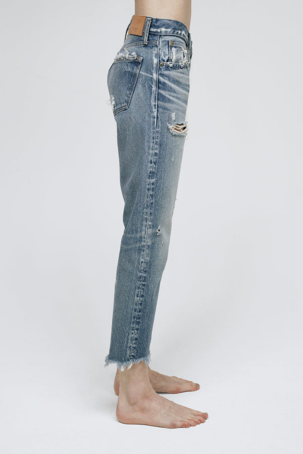 MOUSSY - Low Rise Kelley Tapered Jean | Luxury Designer Fashion | tntfashion.ca