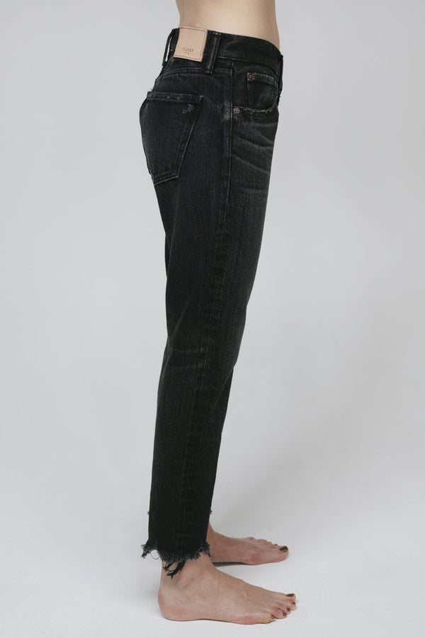 MOUSSY Low Rise Staley Tapered Jean | newtntfashion.