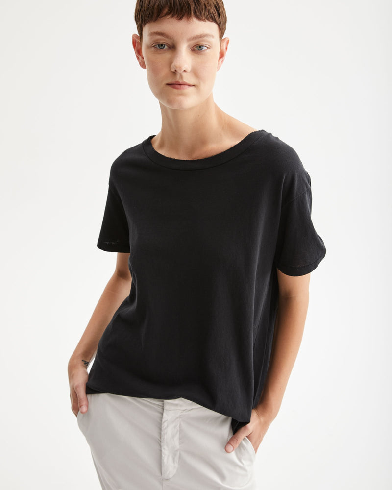 NILI LOTAN - Brady T-Shirt | Luxury Designer Fashion | tntfashion.ca