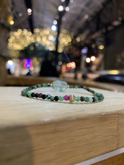 Fluorite and Ruby-in-zoisite bracelet with 9k gold
