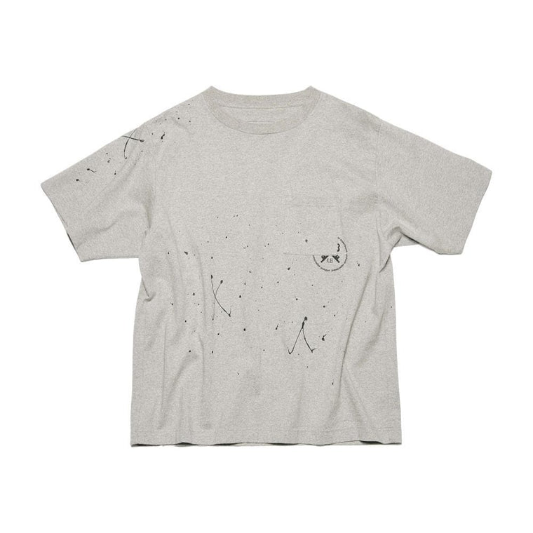 UNIFORM EXPERIMENT DRIPPING WIDE POCKET TEE-GREY