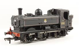 32-201 Bachmann  87XX 0-6-0T Pannier 8763 BR lined black DCC, firebox and loco lamps
