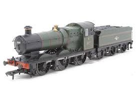 32-302 Bachmann Collett Goods 2277 BR green  Early crest DCC with lamps and firebox
