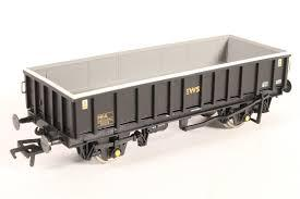 33-028 BACHMANN MFA open box mineral wagon (ex Loadhaul) in EWS black