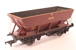 33-555A BACHMANN 46 Tonne HEA Hopper Wagon 361328 in EWS Red & Yellow Livery