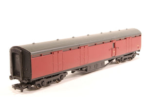 34-653-PO Bachmann Thompson 63' BG Full brake E16E in BR crimson