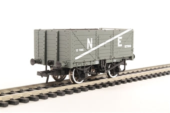 37-089 BACHMANN 7 Plank End Door Wagon   NE  Grey