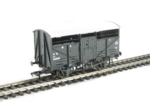 37-711 Bachmann 8 Ton Cattle Wagon GWR dark Grey