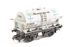 37135 Mainline 12Ton Tank Wagon - 'BP'