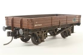 37420 Mainline 3 Plank Wagon, BR brown