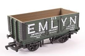 "37428 Mainline 7 Plank Wagon, ""Emlyn"""