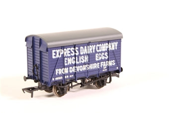 38-072 BACHMANN 12 ton Southern 2+2 planked ventilated van in Express Dairies Eggs livery