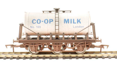 4F-031-022 CO-OP Milk Tanker (weathered) No. 169