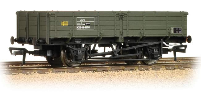 38-702 BACHMANN 12T Pipe Wagon BR Engineers Olive