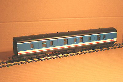 L305389 Lima BR Mk1 Gangwayed Full Brake 92236 in Network SouthEast Livery