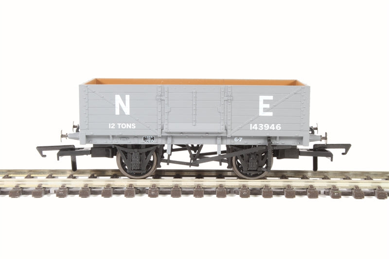 76MW6001 Oxford 6 Plank Wagon LNER Grey