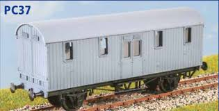 PC37 GWR Python Covered Carriage Truck