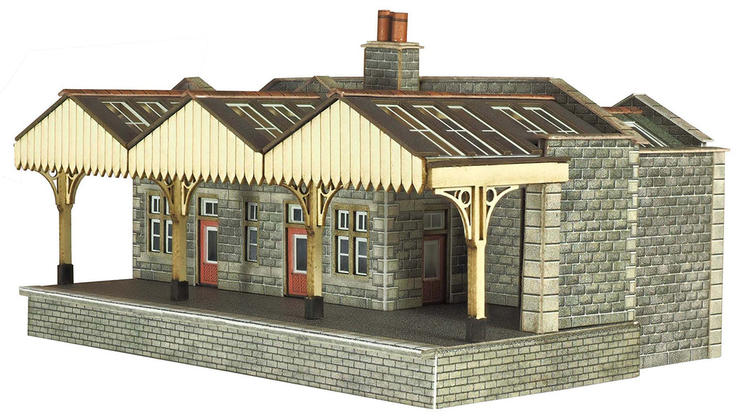 PN921 Parcels Office and Waiting Room