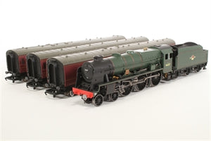 "R2796M6 Hornby ""The Irish Mail"" Trainpack"