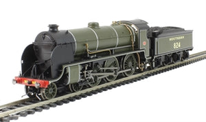 R3327 HORNBY Maunsell SR Class S15 4-6-0, No. 824