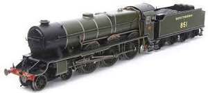 "R3634 Hornby Class LN 'Lord Nelson' 4-6-0 851 ""Sir Francis Drake"" in Southern Railway olive green"