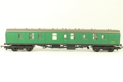 R5116 Hornby BR MK1 full parcels with Interior lights, S81542, Green