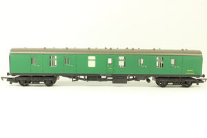 R4116 Hornby BR MK1 full parcels with Interior lights, S81542, Green