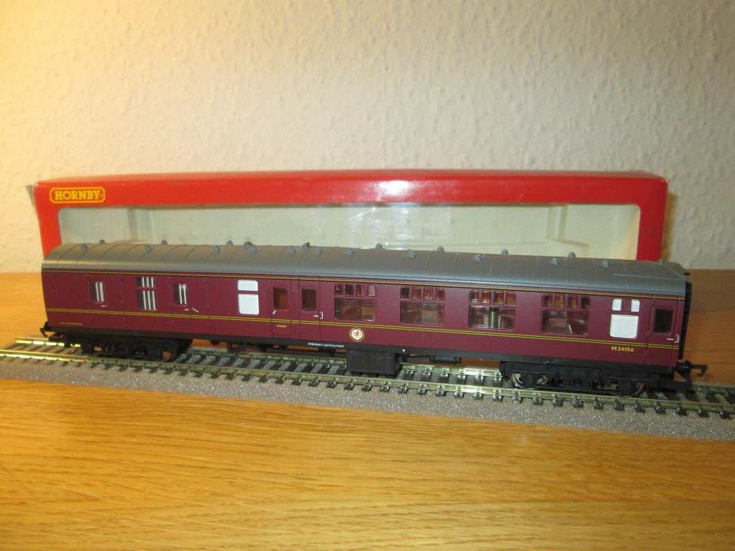 R4132B Hornby Mk1 Brake 2nd corridor Maroon M34106 (No Box)