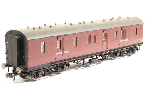 R4237 HORNBY BR (Ex LMS) 50' Full brake Coach. Maroon livery. No. M31004M