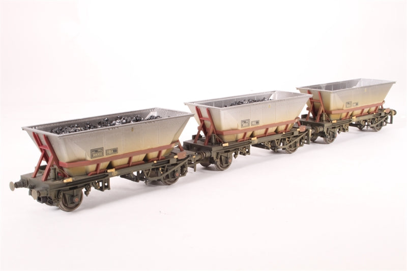 R6224 Hornby MGR HBA hopper wagon with canopy (weathered) - Pack of 3