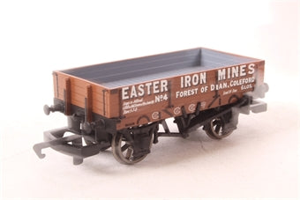 R6230A Hornby Easter Iron Mines 3 Plank Wagon No.5
