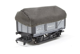 R6297 Hornby 7 Plank wagon with sheet and rail cover
