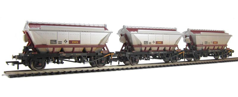 6385 Hornby EWS 2 axle China Clay Hopper Wagon (pack of 3)
