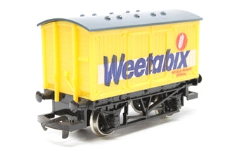 R728 Hornby Weetabix Closed Van