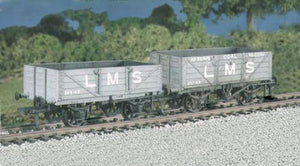 PC576 LMS Traffic 4 Plank includes transfers - 2 wagons (Previously RATIO 576)