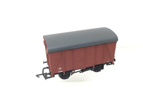 B4 Dapol 12 Ton Box Van LMS brown (SR)