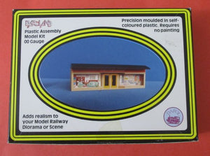 C75 DAPOL Double Fronted Shop