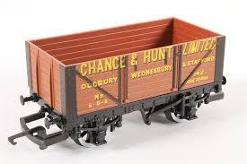 "R206 Hornby ""Chance and Hunt"" 8 plank wagon"