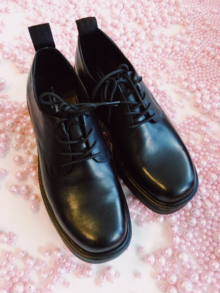 Tara Black Leather Shoes