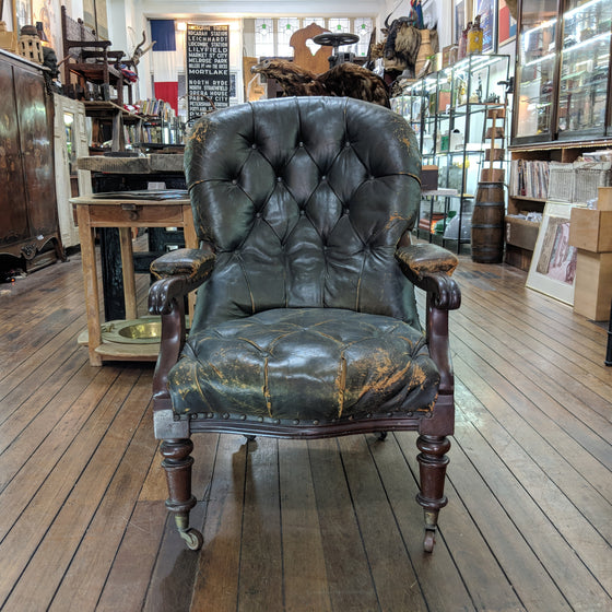 Colonial leather chair