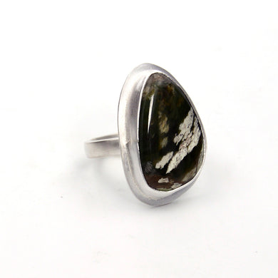 Green Chrome Chalcedony Ring - Size 8.25